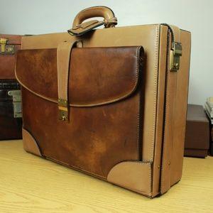 Gucci Rustic Leather Hard Case Briefcase Folder